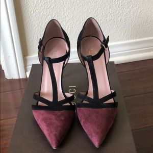 Gucci suede pumps in EUC
